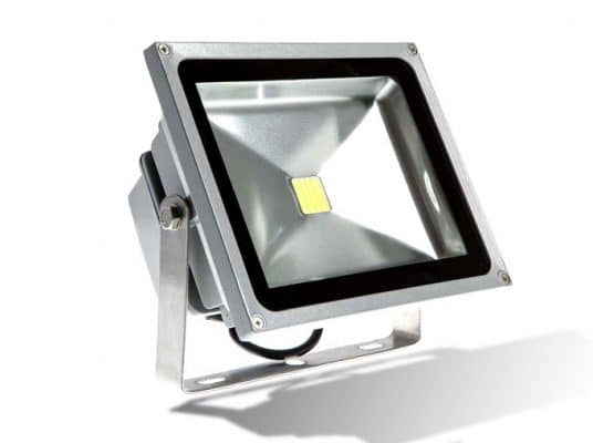 den pha led 100w 536x400 - Đèn Pha Led công suất 100w