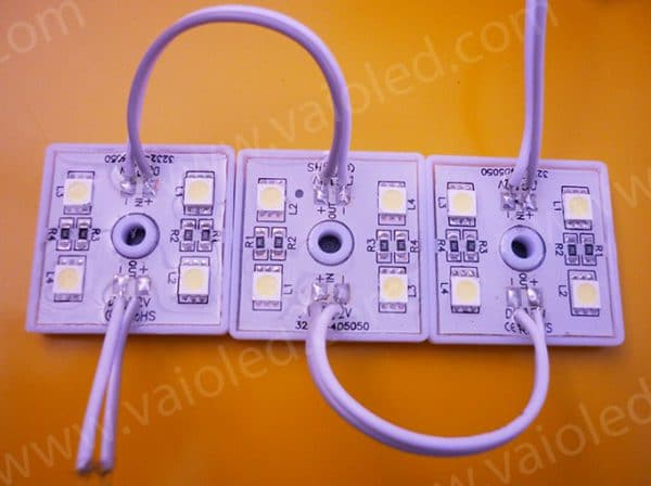 led vuong 4 bong 5050 de nhua 600x448 - Led module vuông 4 bóng 5050 đế nhựa